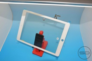 iPad 5 Front Panel Poses for the Camera