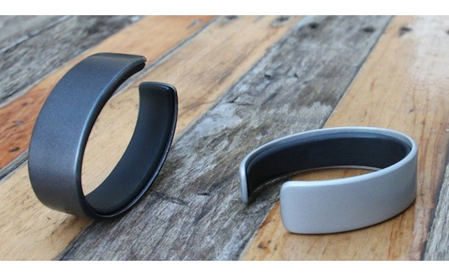 AIRO Health Wristband Measures Your Nutrition, Stress, Exercise And Sleep (video)