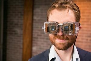 Oculus Rift Alternative Avegant Virtual Reality Headset Unveiled (video)