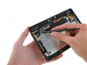 Kindle Fire HDX Gets Taken Apart (Video)