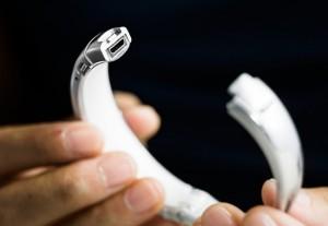 MEMI iPhone Smartbracelet Launches On Kickstarter (video)