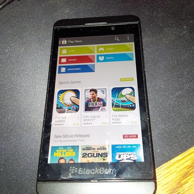 Google Play Store Running on Blackberry Z10 (Rumor)