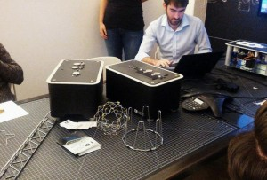 Innovative Desktop DIWire Wire Bender Hits Kickstarter For $2,950 (video)