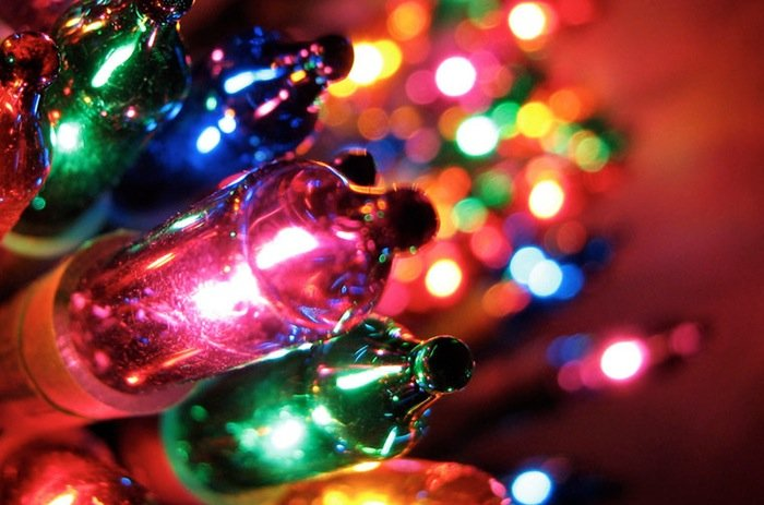raspberry pi xmas pi lets you control your tree decorations from a