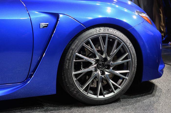 Lexus RF C