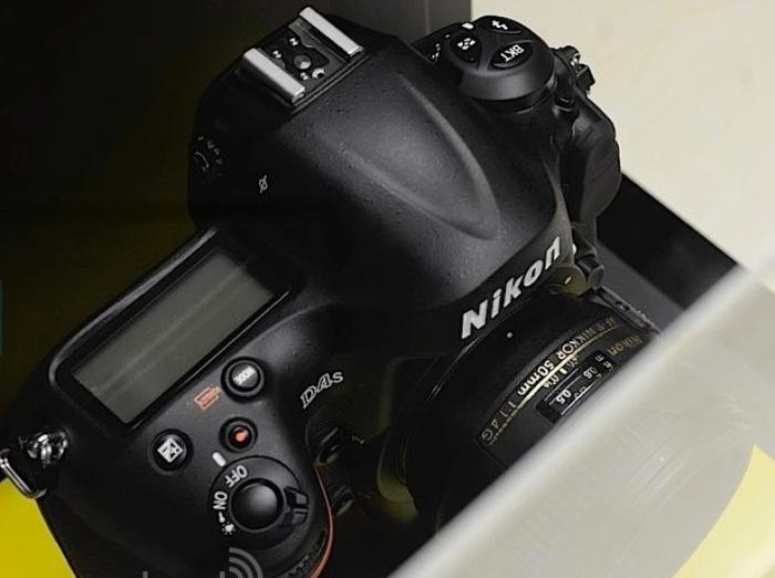 Nikon D4S -1