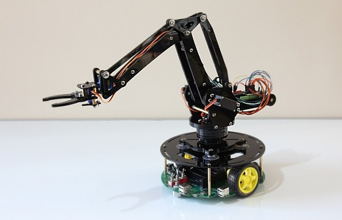 Uarm robot arm powered by arduino launches on kickstarter