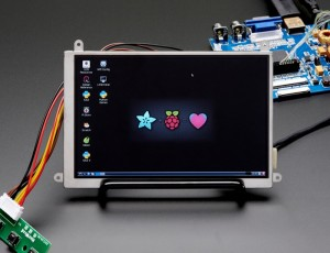 New 5.6″ Display With HDMI, VGA or NTSC/PAL Is Perfect For Raspberry Pi And More