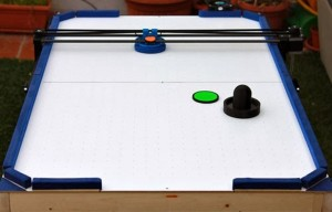 3D Printer Converted Into Awesome Air Hockey Robot (video)