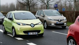 Renault Next Two Self Driving Car Unveiled (Video)