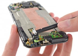 New HTC One M8 Teardown By iFixit (video)