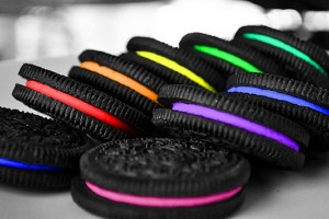 Oreo 3D uses Twitter to print custom colored and flavored cookies