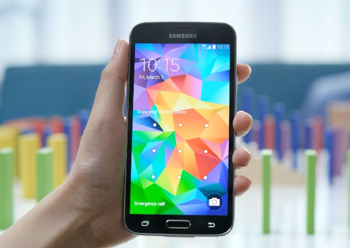 Samsung Galaxy S5 In Action (Video)