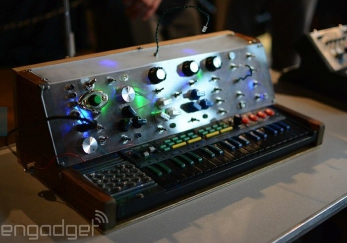 70 diy circuit bending synthesiser creates some awesome for Diy gadgets