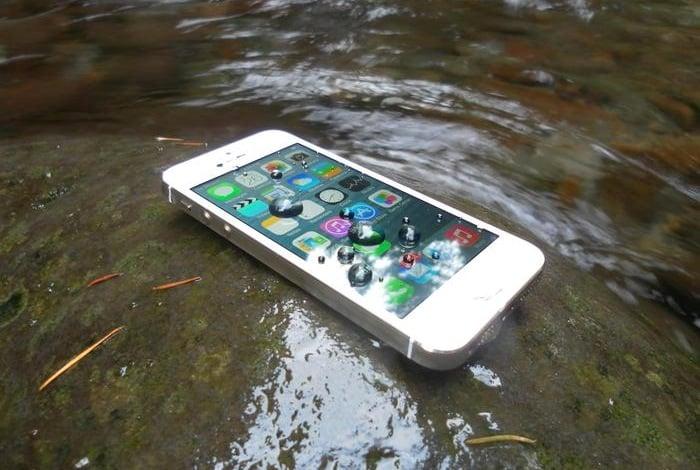 Impervious iPhone waterproof spray