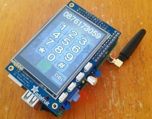 PiPhone, Raspberry Pi-based DIY Smartphone (video)
