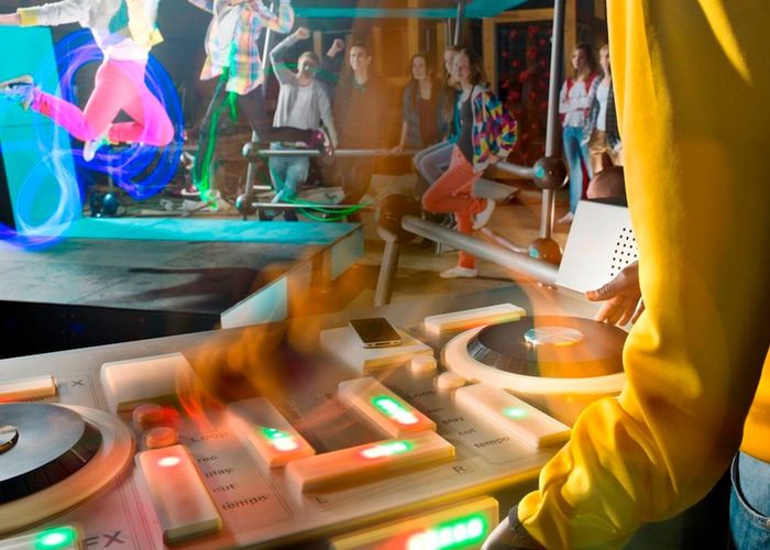 Solar Powered Fono DJ Table