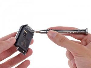 Samsung Gear 2 Gets The iFixit Teardown Treatment