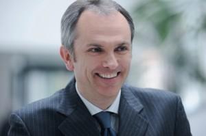 Luca Maestri Becomes Apple's CFO and Senior VP