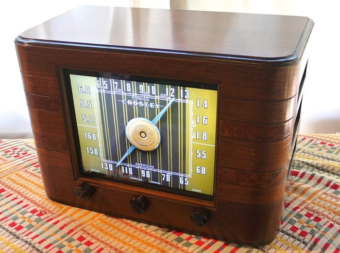Raspberry Pi Combined With 1942 Crosley Radio