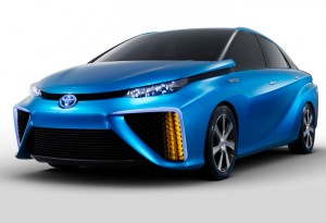Toyota Hydrogen Powered Car To Compete Directly With Tesla (video)
