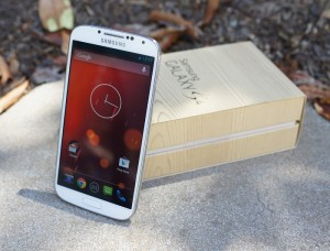 Galaxy S4 Google Play Edition Gets Android 4.4.3