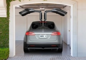 Tesla Model X To Launch Early Next Year