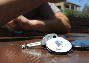 TrackR Bravo Tracking Device Helps You Locate Your Lost Items (video)
