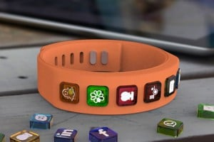 hicon Social Bracelet Offers Interchangeable Notifications Icons (video)