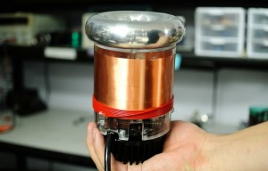 Build Your Very Own Tesla Coil With The tinyTesla Kit (video)