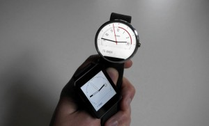 LG G Watch vs Moto 360 Smartwatch (Video)