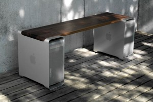 The Apple Mac Bench, Made For Old Macs