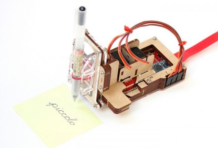 Piccolo Pocket Open Source CNC 3 Axis Drawing Robot (video)