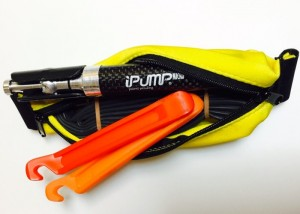 iPUMP Twist 25g Pocket Bike Pump Lets You Pump Tyres To High Pressures (video)