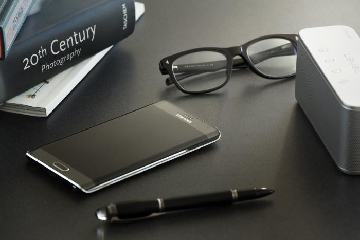 Samsung Galaxy Note Edge Finally Available In the UK