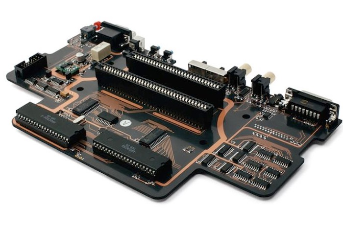 Analogue Interactive Aluminium NES motherboard-1