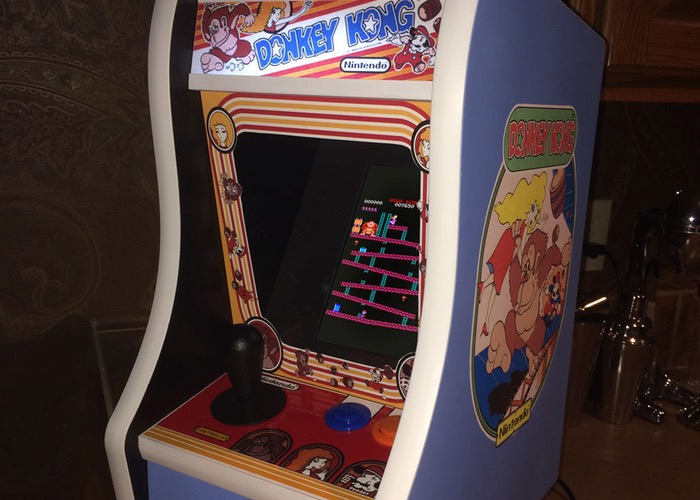 Raspberry Pi Desktop Donkey Kong Arcade Cabinet