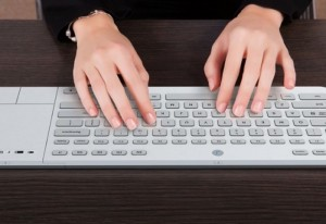 Jaasta E-Ink Keyboard Allow You To Change Characters Layouts With Ease