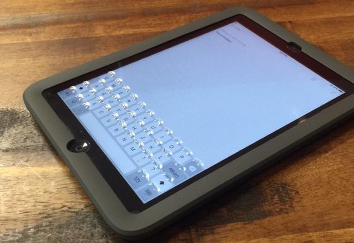 Phorm Tactile Touchscreen iPad Keyboard