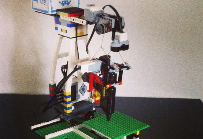 Lego 3D Printer Created Using EV3 Mindstorms And Glue Gun ...