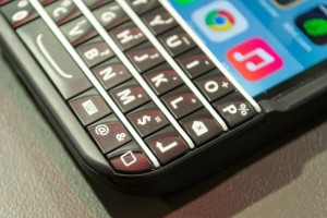 Ryan Seacrest's Typo Ordered To Pay BlackBerry $860,000