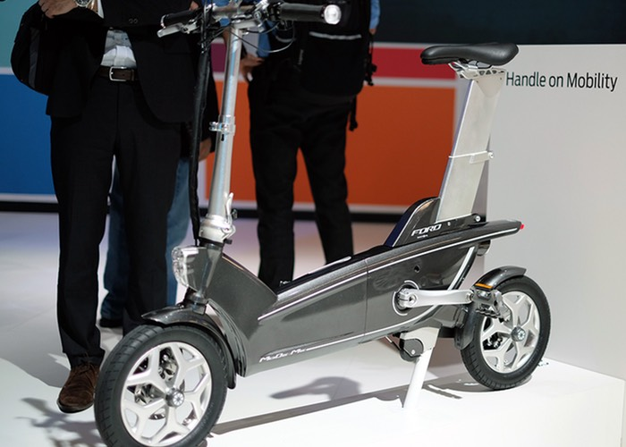 Ford Folding Concept e-Bikes Unveiled At MWC 2015 (video)