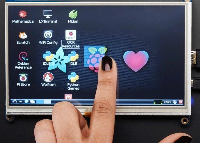 """Adafruit présente un écran tactile 7"""" pour Raspberry Pi Touchscreen-Display-Backpack"""