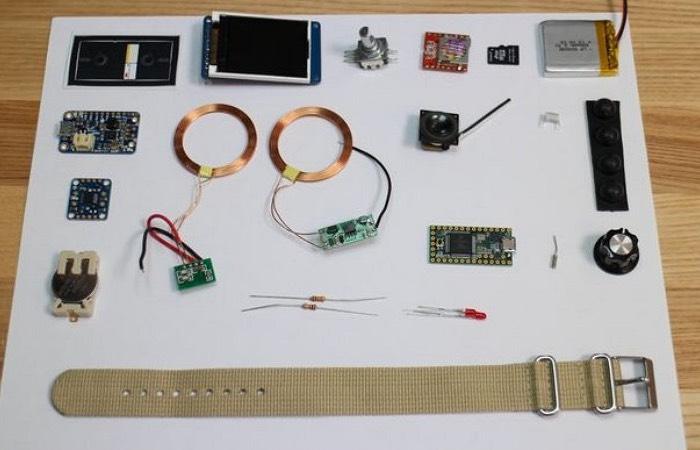 3D Printed Apple II Watch-1