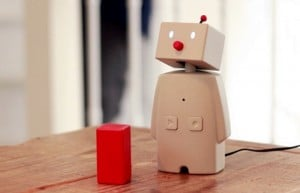 BOCCO Robot Allows You To Communicate From Afar (video)