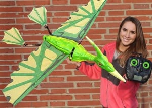 Remote Controlled Pterodactyl Flies Onto Kickstarter (video)
