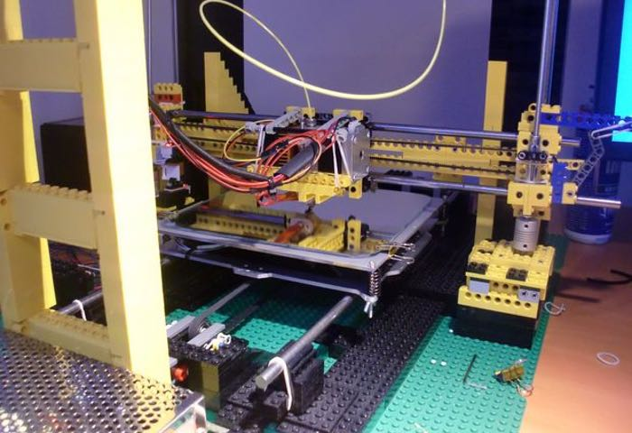 Lego 3D Printer Built Complete With Heated Print Bed (video)