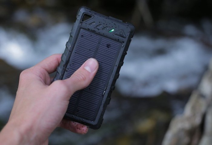 SOS PowerBank Portable Solar Battery Pack