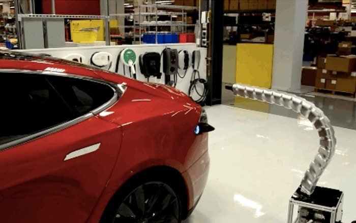 Tesla Robotic Metal Snake Charger