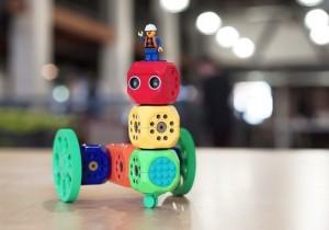 Robo Wunderkind Modular Robot And Coding Kit Hit Kickstarter (video)